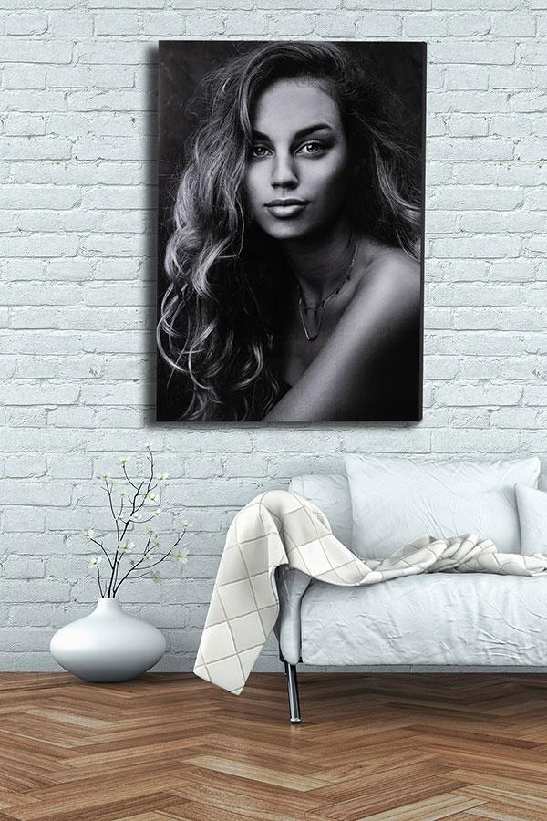 acryl panel vrouw aan muur
